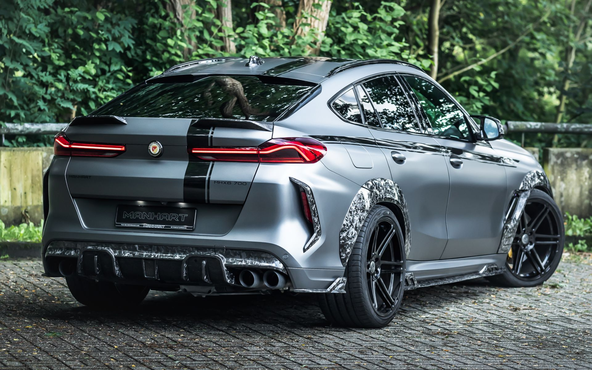 Manhart MHX6 to bardzo muskularne wcielenie SUVa BMW po tuningu
