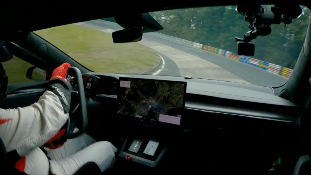 Tesla Model S Plaid w serii z rekordem toru Nurburgring dla elektryków