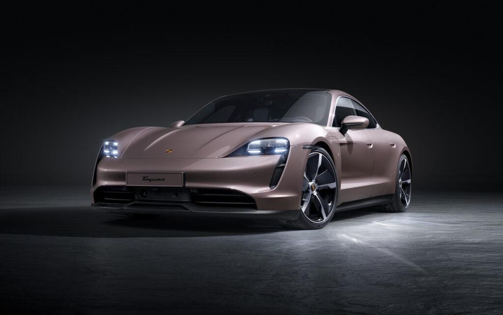 Na odbiór Porsche Taycana trzeba czekać obecnie ponad pół roku