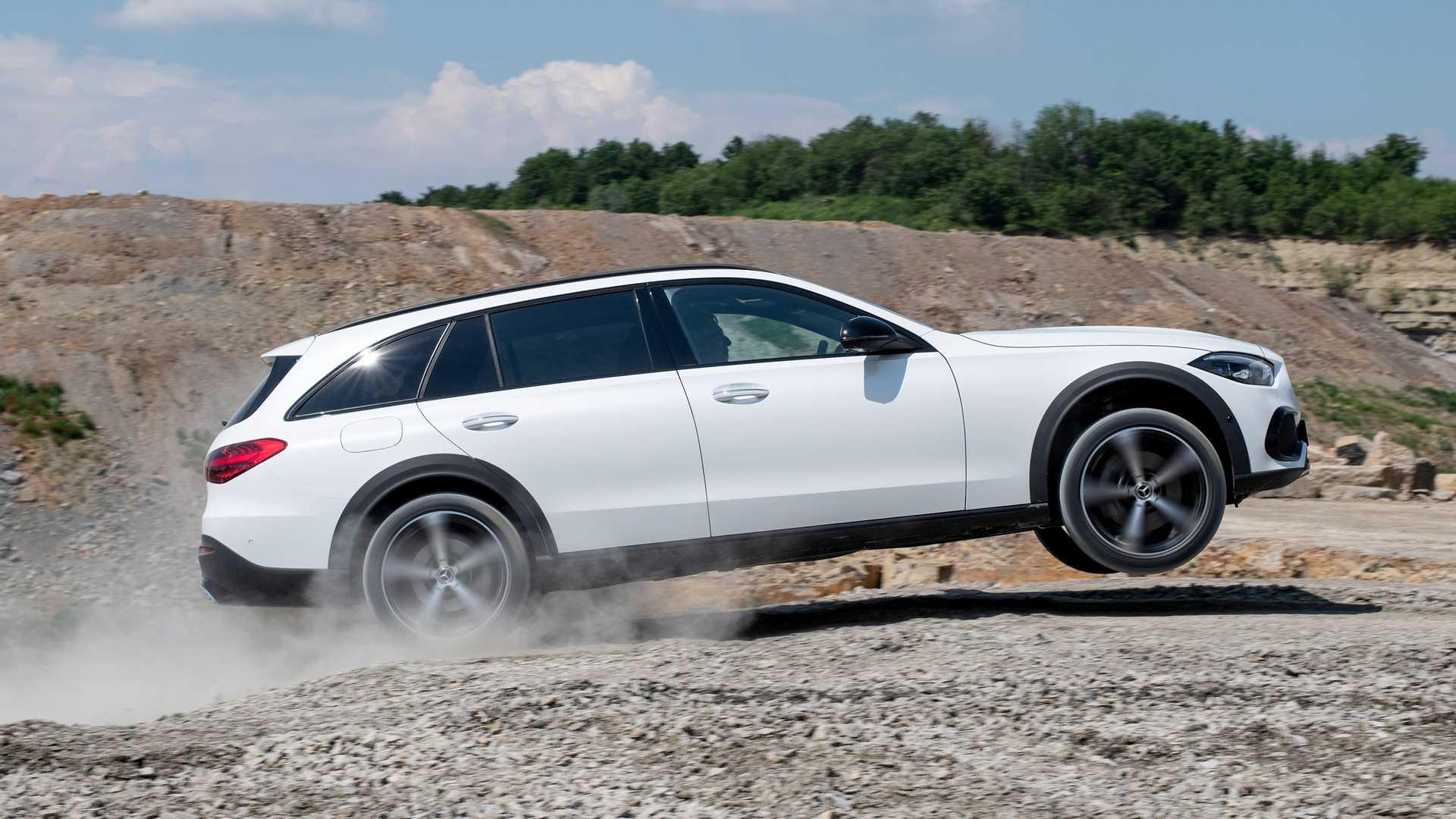 Mercedes-Benz klasy C w wersji All-Terrain - wersja kombi na szczudłach