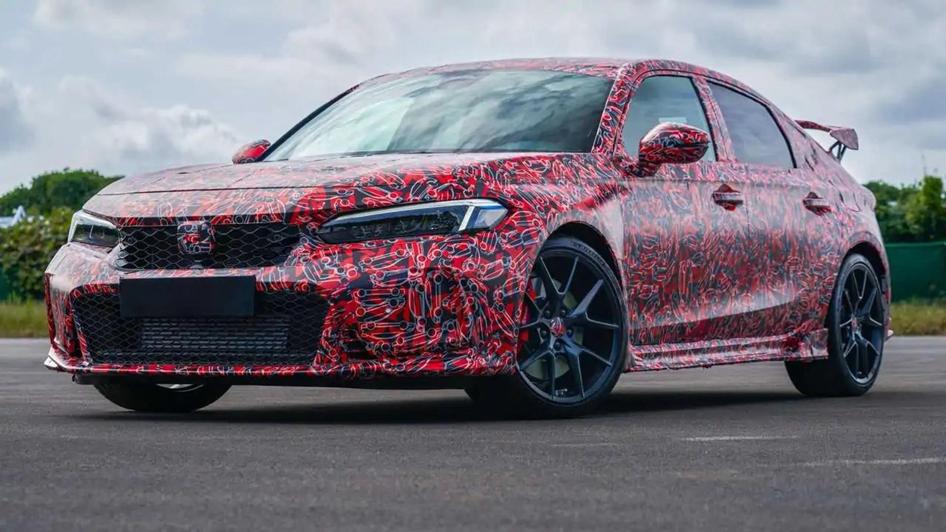 Oto oficjalna zapowiedź nowej Hondy Civic Type-R - nadal w kamuflażu
