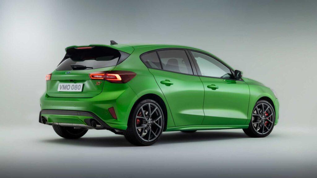 Oto Ford Focus po liftingu – drobne zmiany stylistyczne, nowe multimedia