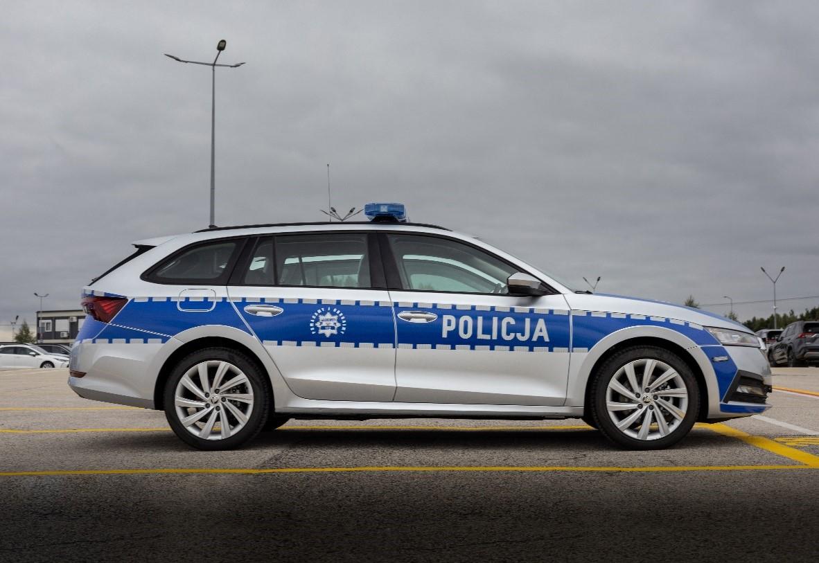 ŠKODA OCTAVIA iV dołącza do polskiej policji - 32 sztuki trafiły na drogi